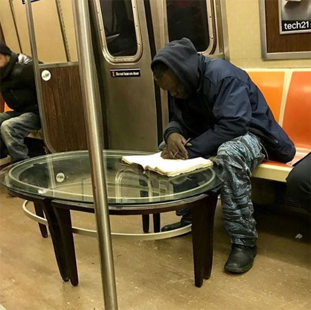 funny-people-on-subway-31-5b2bb4ff8da66__605