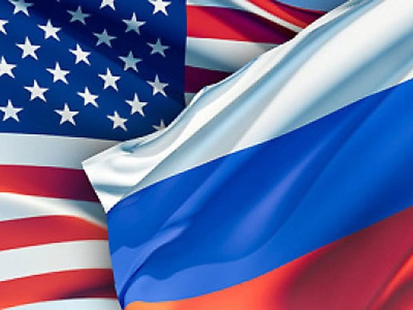 russia-us-flags
