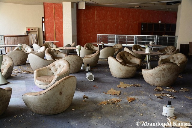 chairs-in-an-abandoned-hotel-lobby
