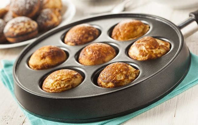 Quick-And-Easy-Way-To-Make-Ebelskivers-700x445