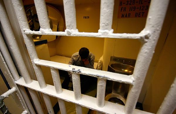 prisoner-in-prison