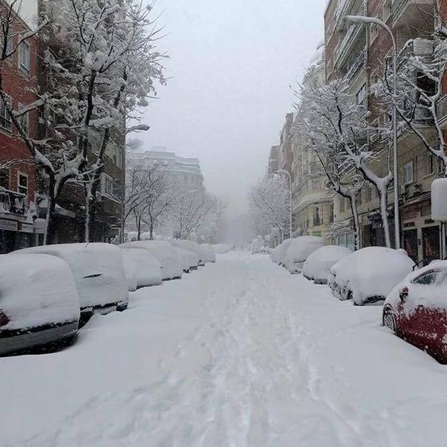 biggest-snowfall-50-years-spain-3-5ffc04ca93ab9__700