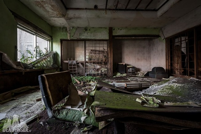 The-biggest-abandoned-hotel-in-Japan-5be55c8218708__880