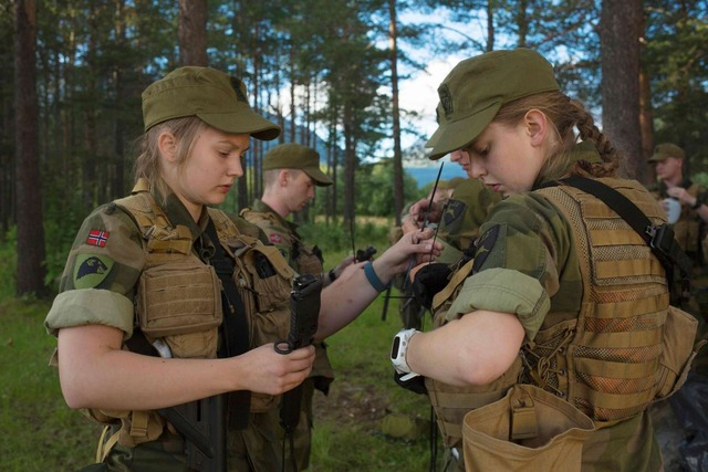 1_39629939_-_25_08_2016_-_norway-women-military