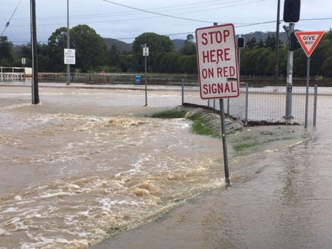 cell-storm-rain-flood-australia-6-5e2324e3a3d2c__700