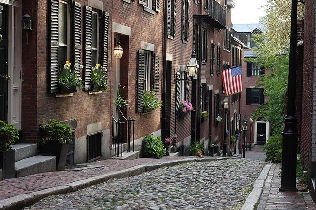 boston-acorn-street