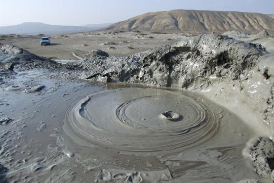 mud_volcanoes_1600x1067_49d