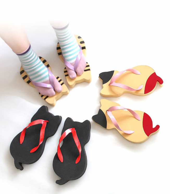 cat-shaped-slippers-nara-getaya-5d0b447d545cf__700