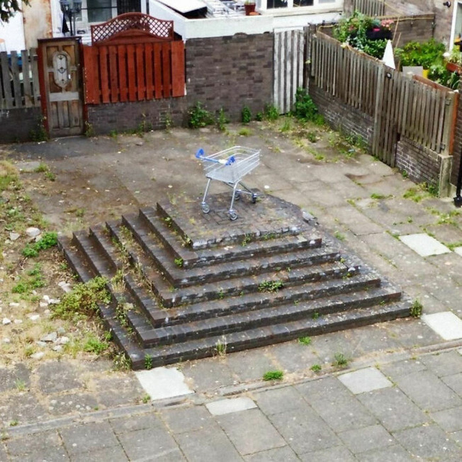 ugly-gardens-pictures-156-6102680b4dcac__700