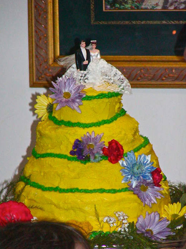 funny-wedding-cake-fails-102-5fa4f9f0237bc__700