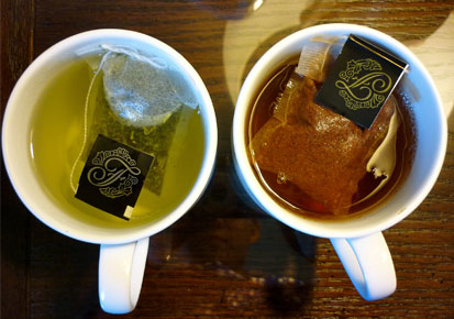 Black-tea-and-green-tea