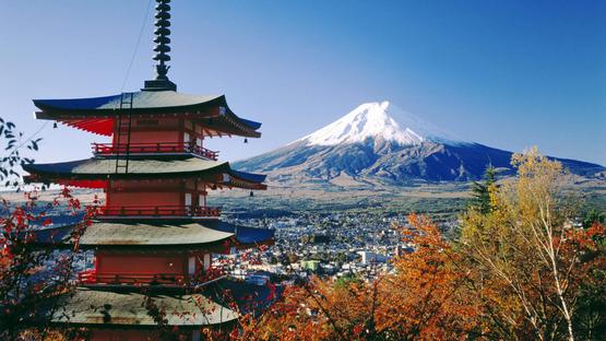 fujiyoshida-and-mount-fuji-japan