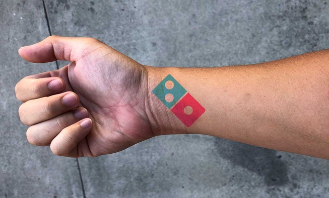 Dominos-Tattoo