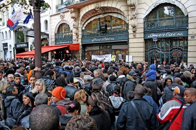 1-Boycott-Guerlain-Paris
