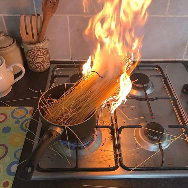 funny-cooking-fails-pics-101-5f114730d41a7__700