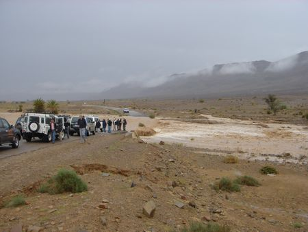 The-Saharan-Desert-floods-before-the-2009-Marathon-des-Sables