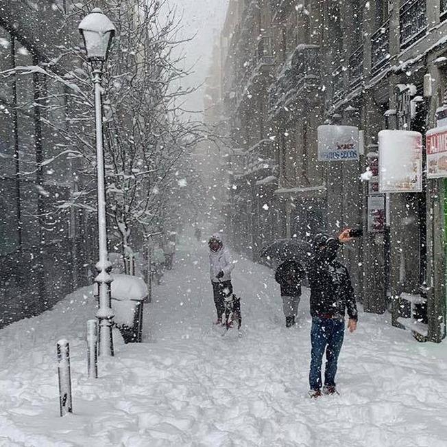 biggest-snowfall-50-years-spain-4-5ffc04cceeb06__700