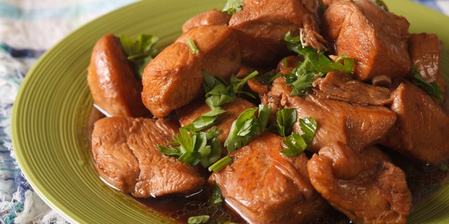 filipino-adobo-style-chicken