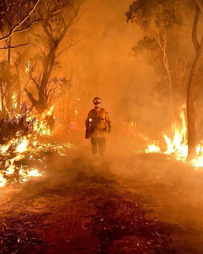 australia-fires-photos-15-5e12e84e20daf__700