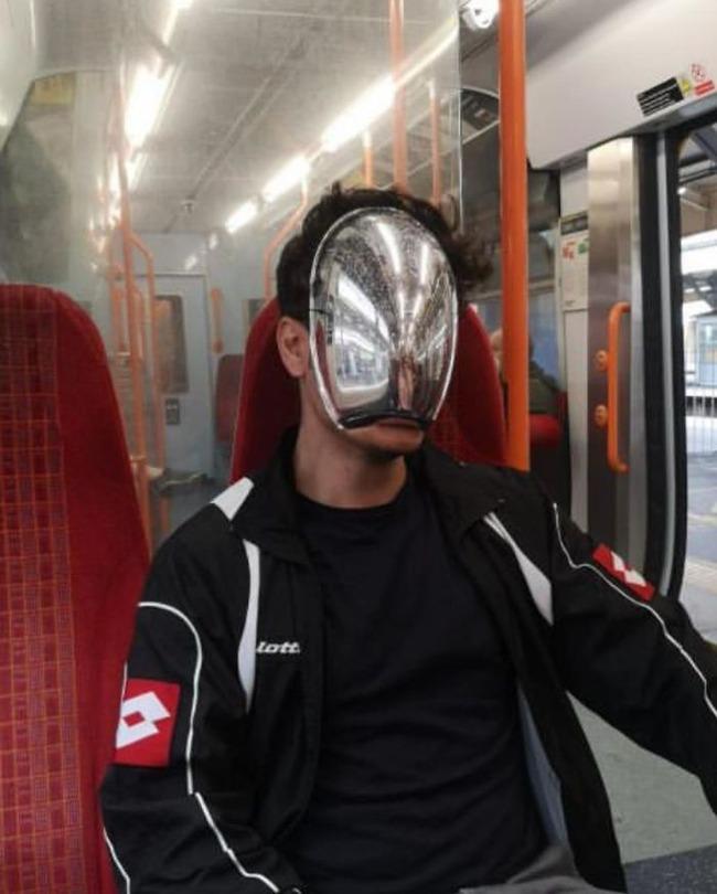 subway-corona-masks-pics-53-5f7c697f4a4b1__700