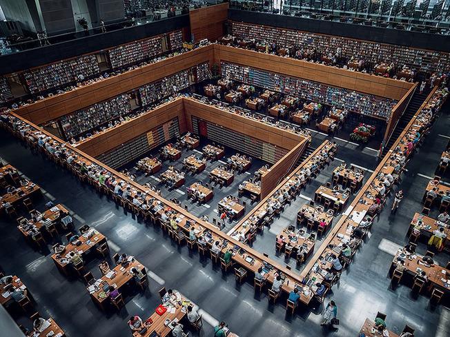 amazing-libraries-15__880 (1)