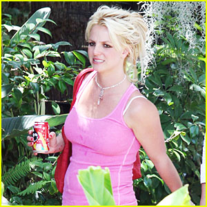 britney-spears-coca-cola-pink-tank-top