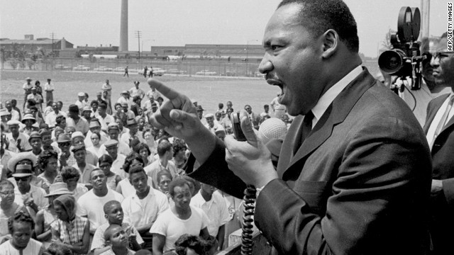 mlk-speaking--story-top