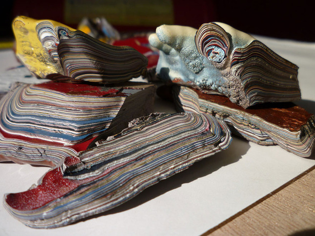 fordite-detroit-agate-car-paint-stone-jewel-1