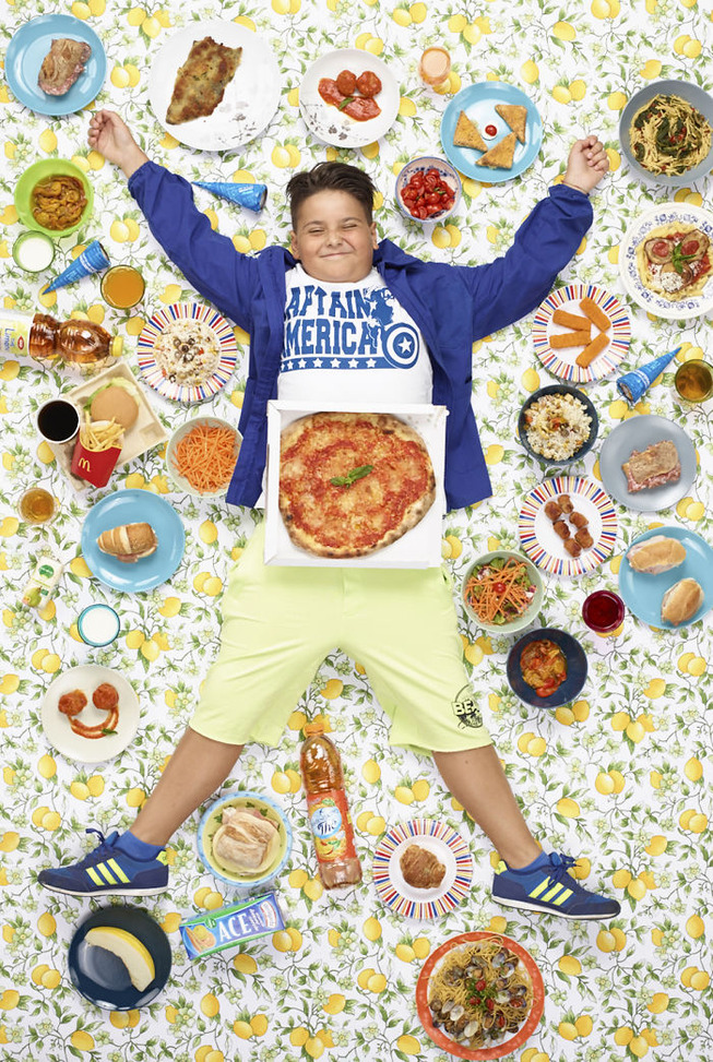 kids-surrounded-weekly-diet