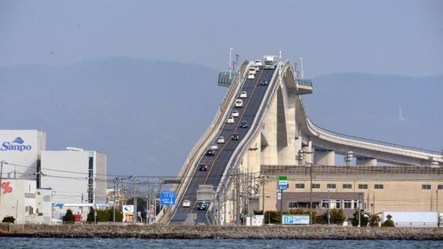外国人が選ぶ世界の変な橋ベスト18 日本からはCMでお馴染みの橋がランクイン : 海外の万国反応記@海外の反応