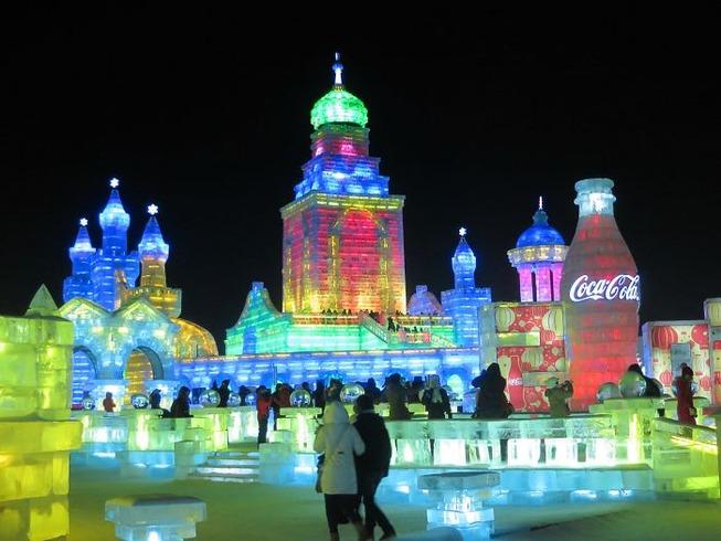 harbin-ice-snow-sculpture-festival-china-5e185be8629cd__700