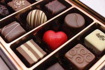 valentines-chocolate-menstrual-blood-Japan-01