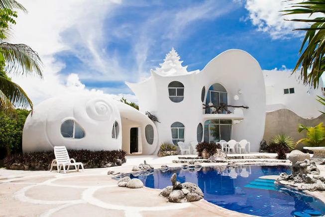coolest-unique-best-rent-houses-airbnb-9-5cefe446e5727__700