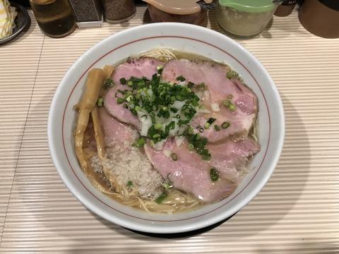 チャーシュー煮干しそば (1)