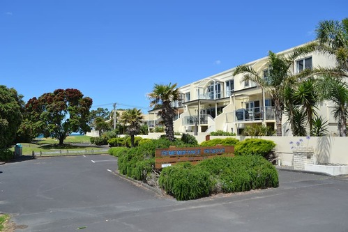 Entrance:carpark to Orewa 363