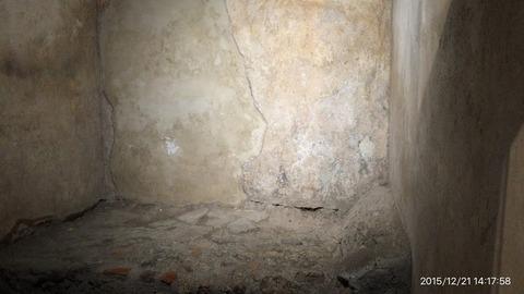 151221-180_ポンペイ遺跡の娼館のベッド跡