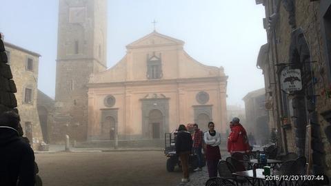 151220-140_チビタ村の教会