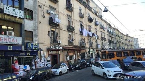 151221-020_ナポリ市街地