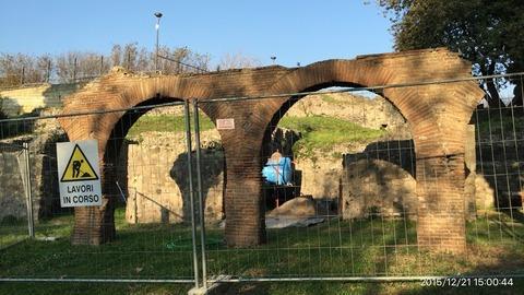 151221-510_ポンペイ遺跡の水道橋