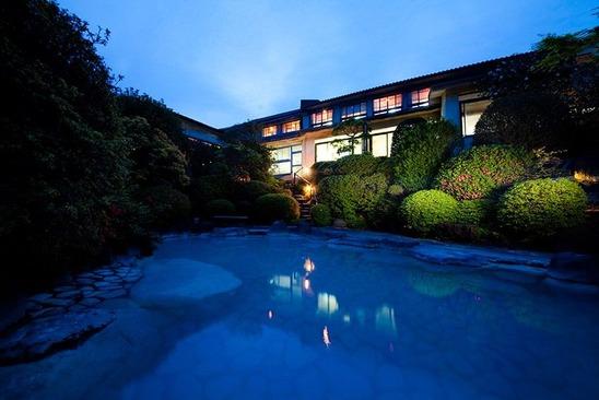 別府明礬 (みょうばん) 温泉 岡本屋旅館