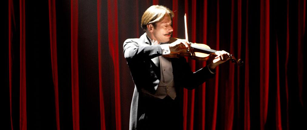 チキンとプラム~あるバイオリン弾き、最後の夢~マルジャン・サトラピ バンサン・パロノー マチュー・アマルリック マリア・デ・メディロス イザベラ・ロッセリーニ キアラ・マストロヤンニ ギャガ