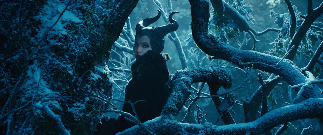 たけうちんぐ 映画 死ぬまでには観ておきたい映画のこと ロバート・ストロンバーグ アンジェリーナ・ジョリー エル・ファニング サム・ライリー シャールト・コプリー イメルダ・スタウントン ウォルト・ディズニー・スタジオ・ジャパン Maleficent マレフィセント 悪 眠りの森の美女 復讐 呪い