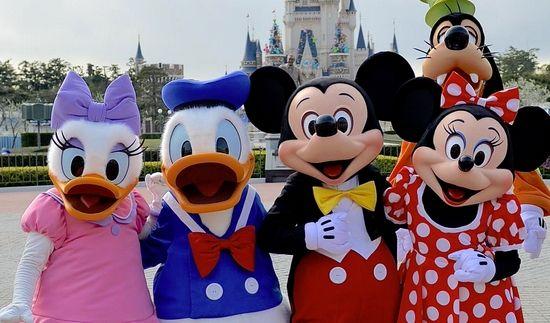 【悲報】夢の国・ディズニーランドでパワハラか 着ぐるみの2社員が提訴