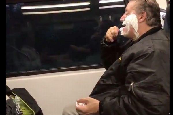 こいつ電車の中でビケ剃ってやがるバシャァ!→事情を知ったネットの悪意が一転、全米が泣いた