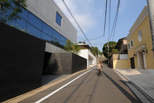 【画像】これが東京の高級住宅街の光景wwww