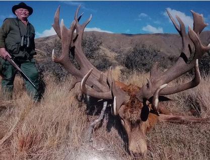 アフリカで動物を射殺しまくってた米国人トロフィーハンター、仲間の流れ弾に当たり死亡→動物愛護団体が絶賛