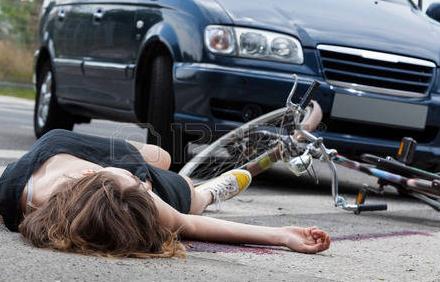 【全然違う】交通事故を起した際の運転者の連絡先のトップ3 の男女差wwwwww