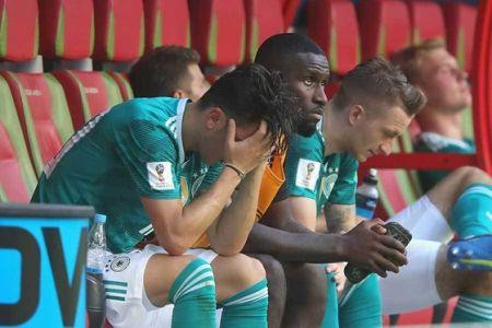 【悲報】ドイツ代表さん、プレステにハマりすぎてW杯を敗退していたことが判明