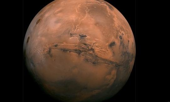 【宇宙ヤバイ】火星に巨大地下湖、欧州探査機が発見 水の存在「疑いない」