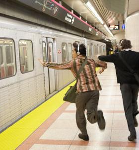 鉄道会社「すまんが、駆け込み乗車、ガチでやめて欲しいんだが。どうにかして減らしたい」